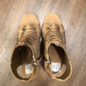 DV brown heels size 8.5